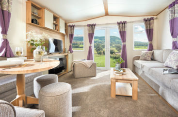 glamping pods with hot tub lincolnshire, glamping pods lincolnshire, hot tub log cabin lincolnshire