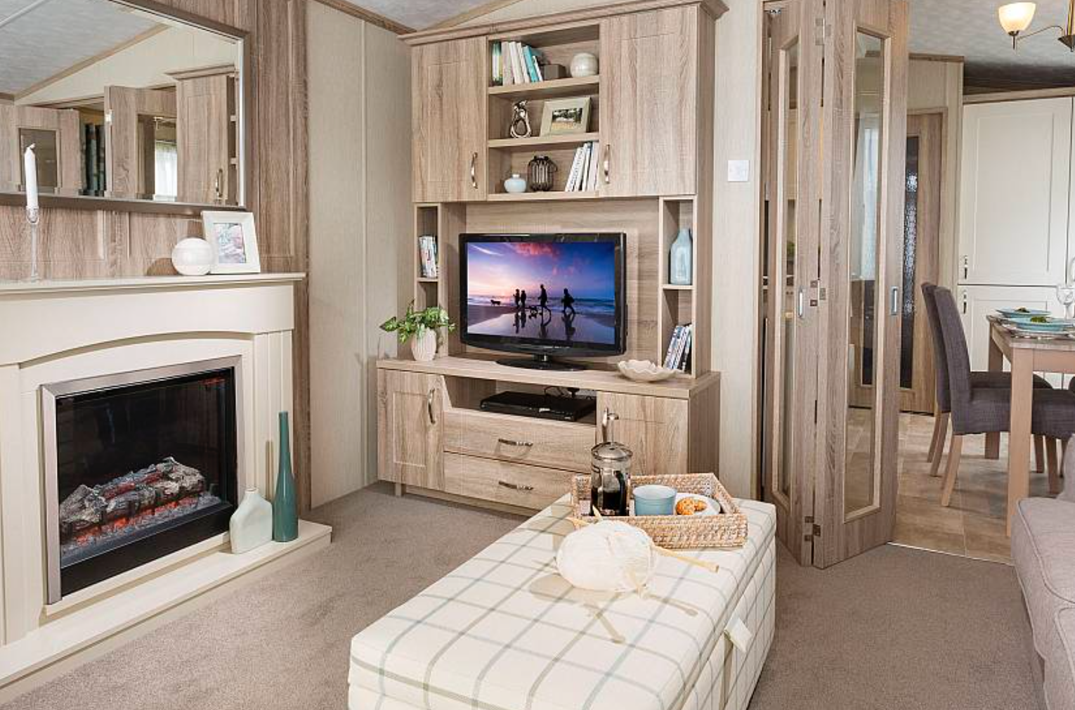 caravan site lincolnshire, dog friendly glamping, holiday park lincolnshire