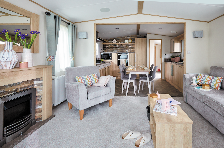 caravan site lincolnshire, hot tub log cabin lincolnshire, lodge holidays near lincoln