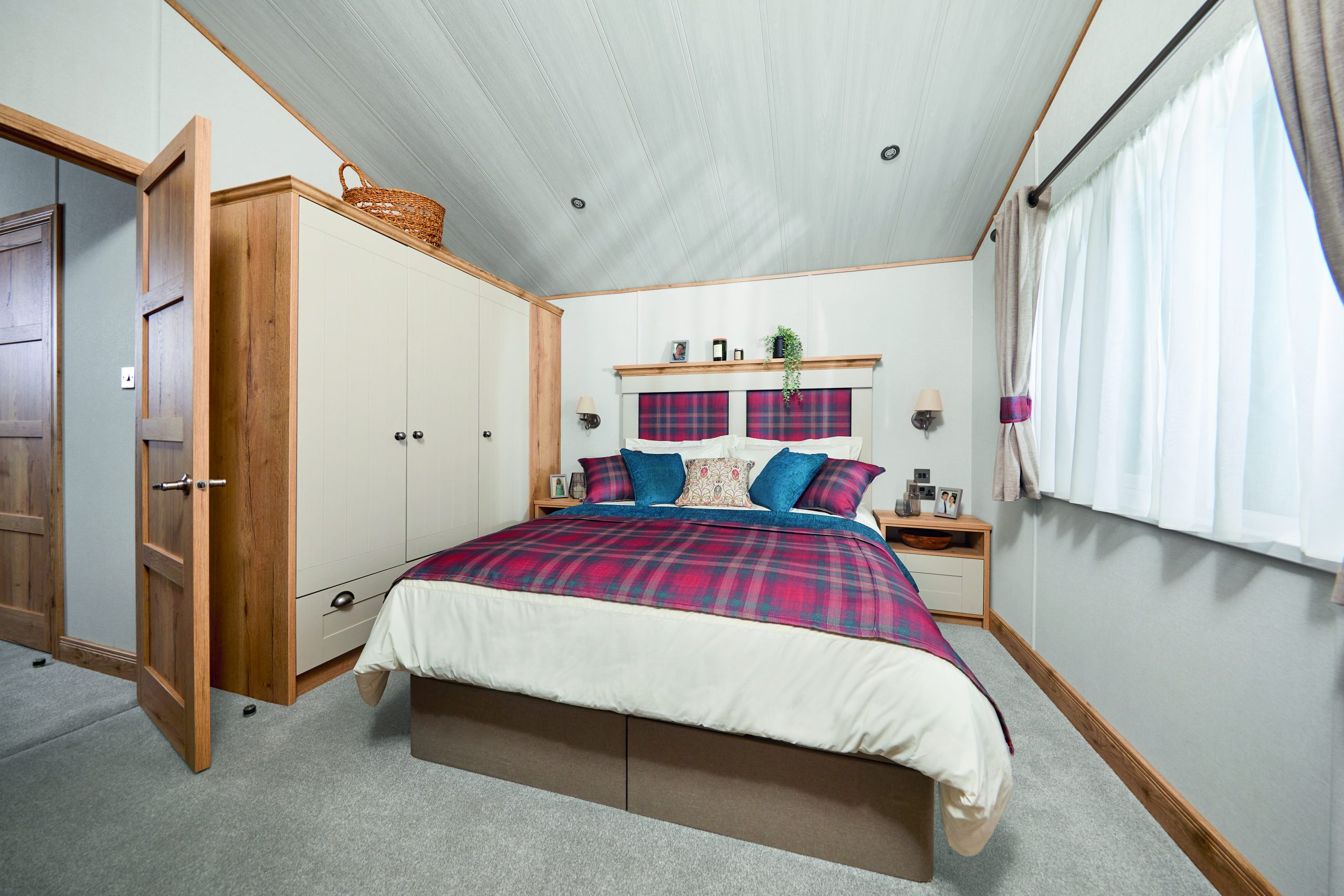 holiday park lincolnshire, holiday cottages lincolnshire, log cabin holidays lincolnshire