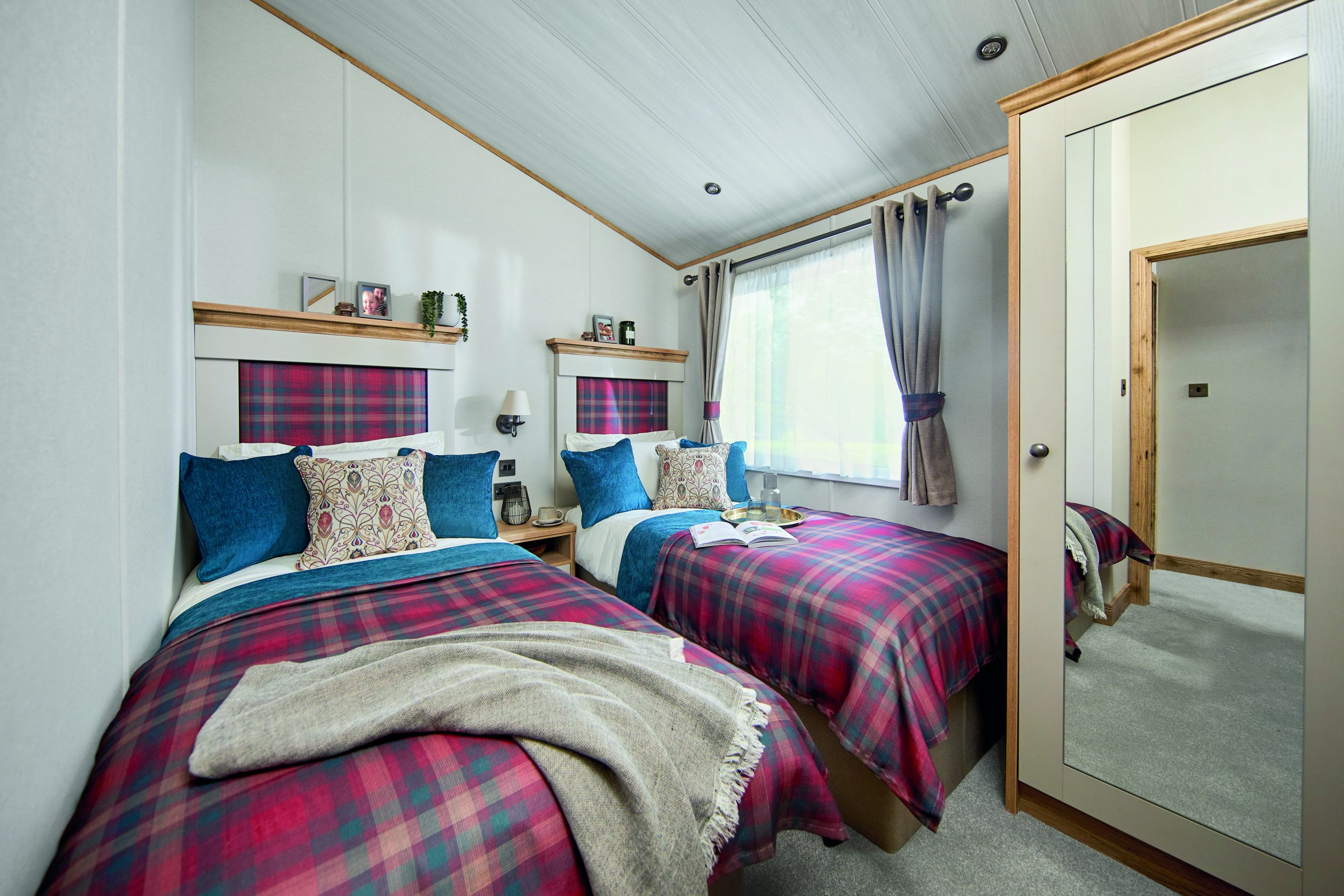 lodge holidays near lincoln, holiday cottages lincolnshire, glamping pods lincolnshire