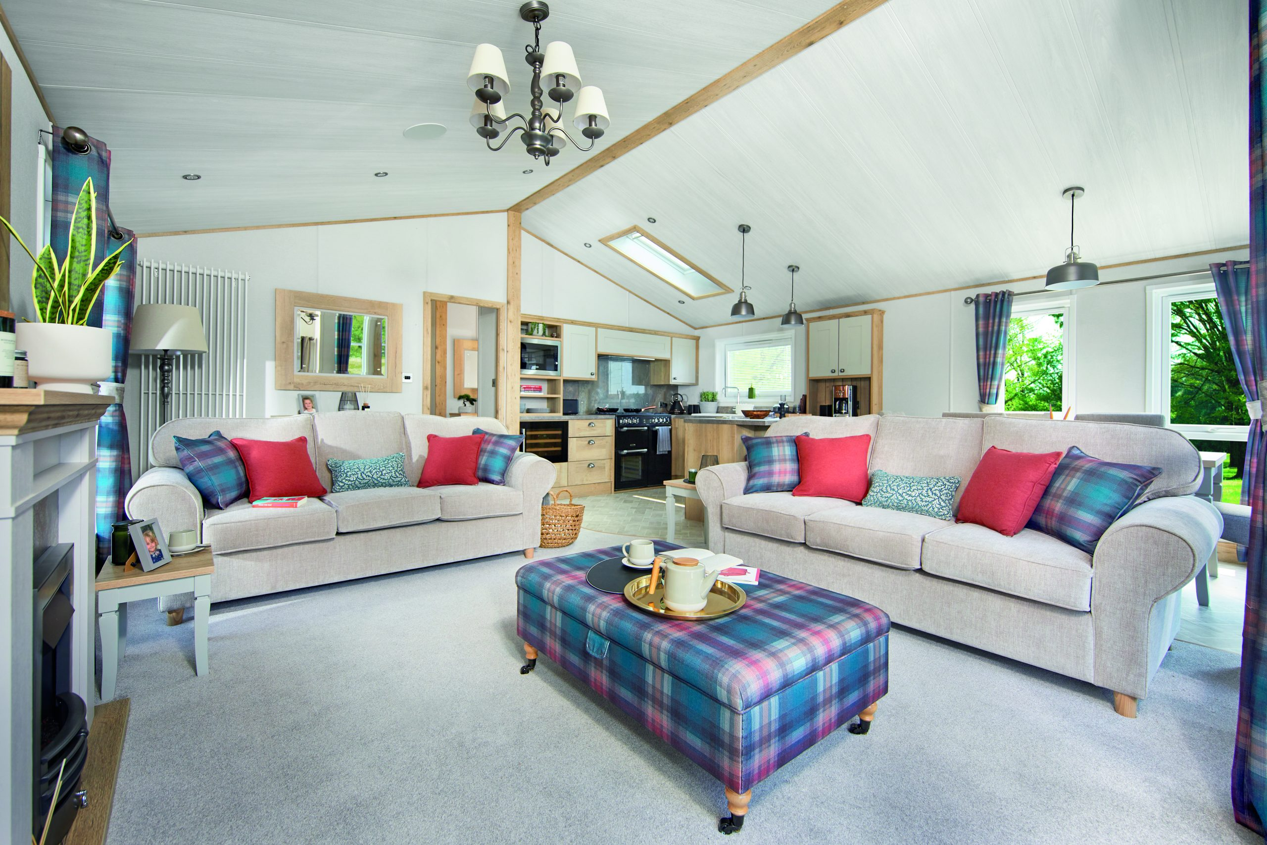 hot tub log cabin lincolnshire, holiday log cabins lincolnshire, log cabin holidays lincolnshire
